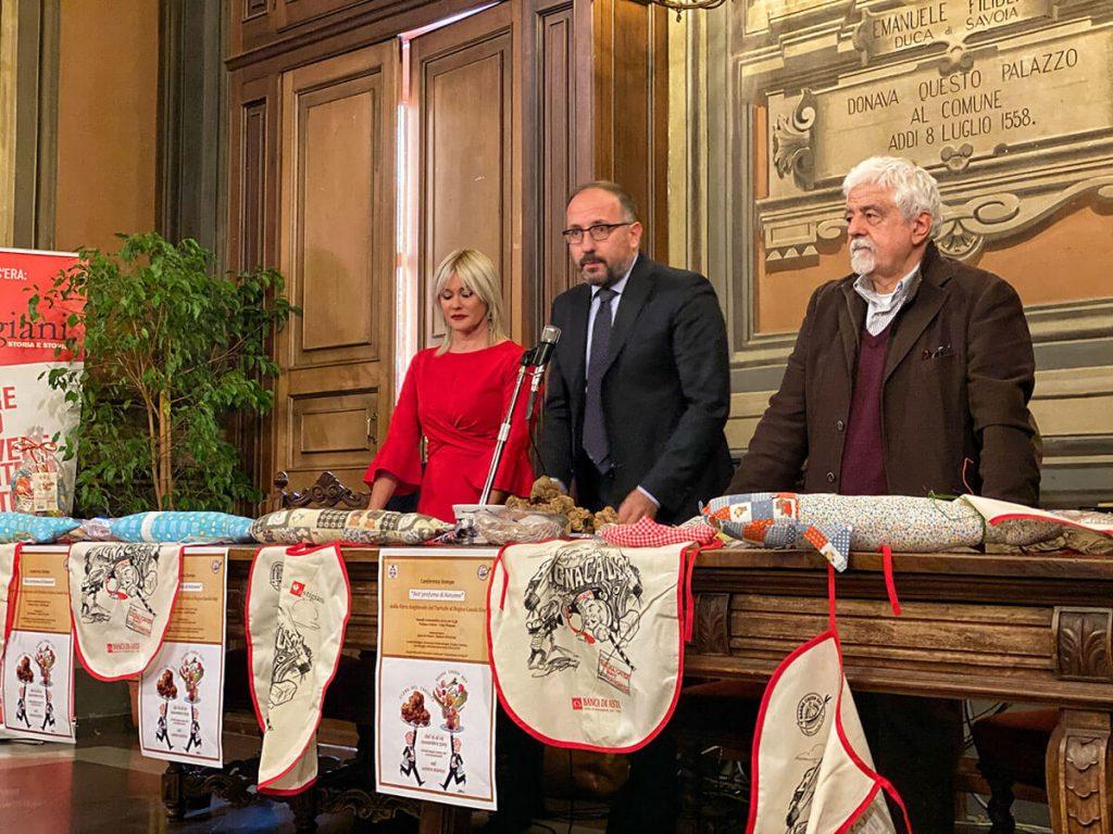 Loretta Bologna, Maurizio Rasero e Sergio Miravalle alla presentazione del Bagna Cauda Day 2019